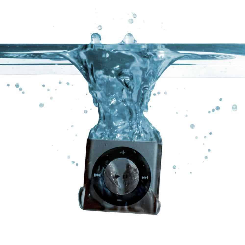 Space Gray Underwater iPod Shuffle