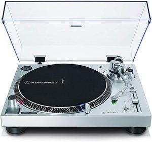Audio-technica AT-LP120XUSB turntable
